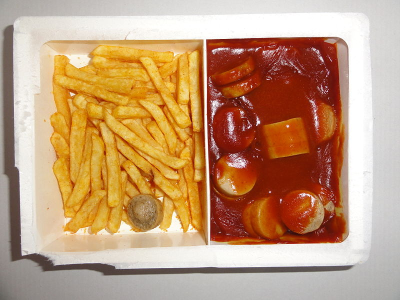 content/images/img-19-20/programme/chapitre-6/800px-Ready_to_eat_microwave_food_TV_dinner_Currywurst_with_French_fries.JPG