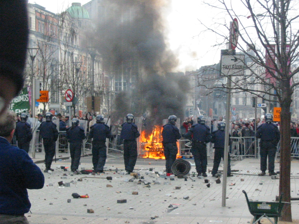 content/images/img-19-20/programme/cover/Dublin_Riots_25-02-06-cc-Duk.jpg